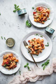 Zapekané cestoviny s tuniakom – Lapetit Curry, Menu, Ethnic Recipes, Food, Menu Board Design, Curries, Essen, Meals, Yemek