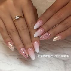 Semi-permanent varnish, false nails, patches: which manicure to choose? - My Nails Diy Acrylic Nails, Acrylic Nail Designs, Nail Art Designs, Cute Nails, Pretty Nails, Hair And Nails, My Nails, Nail Designs Bling, Nagel Bling