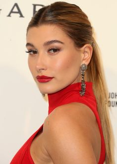 If you're like us and you obsessively stalk Hailey Baldwin's Instagram (it may or may not be because she's recently been linked to Justin Bieber), you'll notice that most of her feed includes photos of her in high fashion...