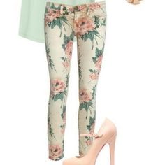 Floral skinny jeans by Rue 21 These are great for the coming months. They aren't real thick, they have a great floral design, and zip and button front closure. Love these! Rue 21 Pants