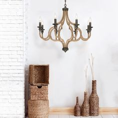 A 12-light chandelier from the Corda collection
