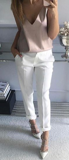 Cute Summer Outfits To Update Your Wardrobe women's white pants. White Pants Outfit, Coat Outfit, Casual Pants, Summer Work Outfits, Summer Fashion Outfits, Winter Outfits, Casual Summer Outfits Women, Summer Outfits For Work Business, White Outfits For Women