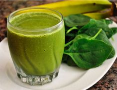 Delicious Quick Green Smoothie Green Spinach Smoothie Detox Pineapple and Avocado Smoothie Broccoli Mango and Pineapple Smoothie Spinach Smoothie Recipes, Spinach Juice, Smoothie Vert, Smoothie Detox, Power Smoothie, Blender Recipes, Shake Recipes, Drink Recipes, Juice Recipes