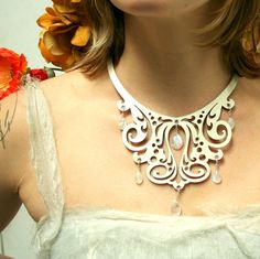 Leatherwork necklace with moonstone drops