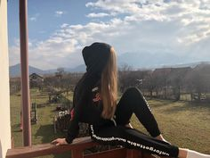 Postări pe Instagram de la Iuliana Beregoi • Feb 5, 2018 at 7:16 UTC My Idol, Youtubers, Celebs, Stars, Instagram Posts, Outfits, Photos, Celebrities, Outfit