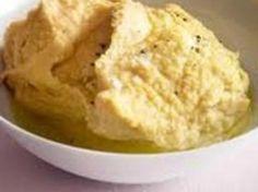 Bak poteten i folie i 45minutter. Når den er ferdig, blander du alle…