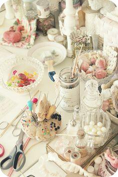 Craft Room---- so pretty!