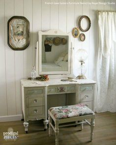 One's trash is another's treasure! Learn how to stencil furniture and create a shabby chic vanity with the help of our French Love Letters Furniture Stencil. Shabby Chic Vanity Table, Vanity Table Vintage, Shabby Chic Furniture, Painted Furniture, Diy Vanity Table, Shabby Chic Dressing Table, Refinished Furniture, Old Vanity, Antique Vanity