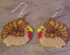 Cardinal Dangle Earrings Hand Made Seed Beaded by wolflady on Etsy