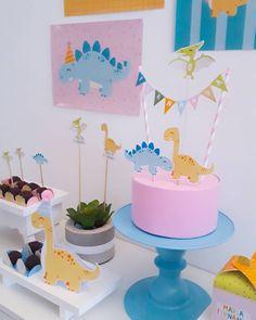 First Birthday Parties, First Birthdays, Birthday Cake, Super Party, Ideas Para Fiestas, Dinosaur Party, Cake Smash, Cake Toppers, Cake Decorating