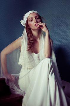 1920 inspired romantic wedding dress & veil | via Un Beau Jour, Dress: Elise Hameau, Photo: Marie hochhaus