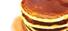 2 eiers 125 ml suiker 250 ml melk 30 ml margarien/botter gesmelt 500 ml koekmeelblom 20 ml bakpoeier ml sout botter, stroop of heuning Metode Klits eiers en suiker saam. Voeg melk en g… Crumpet Recipe, South African Recipes, Crumpets, Breakfast Dishes, Something Sweet, Sweet Recipes, Cooking Recipes, Cooking Ideas, Food Ideas