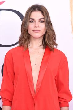 Emily Weiss Photos Photos - Emily Weiss attends the 2016 CFDA Fashion Awards at the Hammerstein Ballroom on June 6, 2016 in New York City. - 2016 CFDA Fashion Awards - Arrivals