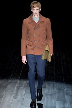 Gucci - Fall 2014 Menswear - Look 17 of 41?url=http://www.style.com/slideshows/fashion-shows/fall-2014-menswear/gucci/collection/17