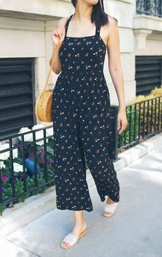 fashion inspiration Overall, den du diesen Sommer brauchst The Original Blue Gemstone Article Body: Western Dresses For Women, Western Outfits, Kurta Designs, Blouse Designs, Chic Outfits, Trendy Outfits, Stylish Dresses, Fashion Dresses, Dress Indian Style