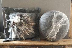 Keigoed vilten Felt Cushion, Felt Pillow, Pillow Room, Custom Pillows, Decorative Pillows, Sheep Crafts, Ice Dyeing, Felted Slippers, Felt Ball