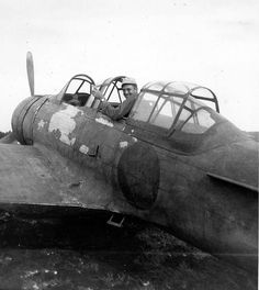 A6M2-K two seat trainer
