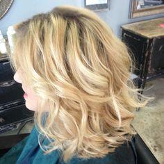 Golden beige blonde with short textured cut !
