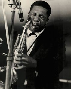 "John Coltrane Quartet en ""Ralph Gleason's Jazz Casual"" (Live 1963) https://youtu.be/1WFZ10qlzAY"