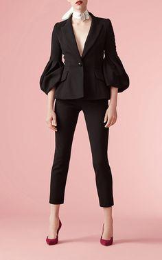 Carolina Herrera Resort 2017 Collection - Love this look! Fashion 2017, Girl Fashion, Fashion Outfits, Womens Fashion, Fashion Design, Suits For Women, Jackets For Women, Pantalon Large, Retro Stil