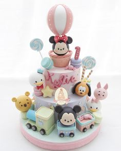 Cakes To Make, How To Make Cake, Tsum Tsum Birthday Cake, Fondant Cakes, Cupcake Cakes, Birthday Cake For Mom, Birthday Ideas, Comida Disney, Baby Girl Cakes