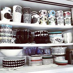 White Home Decor, Marimekko, White Houses, Black And White Colour, Interior Inspiration, Yuki, Tableware, Creative, Kitchen