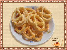 krehké slané pečivo Onion Rings, Ethnic Recipes, Food, Basket, Essen, Meals, Yemek, Onion Strings, Eten