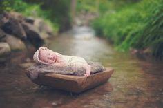 newborn | outdoor newborn | newborn poses | newborn ideas | newborn Photography | Staci Hedke Photography | Englewood, Ohio | Fan Feature | Beyond the Wanderlust | Inspirational Photography Blog