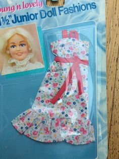 """Vintage Shillman Young 'n Lovely 11 1/2"""" Junior Doll Fashions x2 Barbie Sindy"""