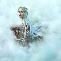 お姫さま感満点!!童話の世界に迷い込んだかのような美女達が魅せる幻想的風景が素敵 | ARTIST DATABASE