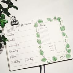 Weekly spread, daily task tracker - #bulletjournal #calligraphy #plants #illustration