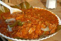 ZACAHUIL: pláto de Papantla, Veracruz con carne de cerdo, tomates, hierbas del monte y masa.