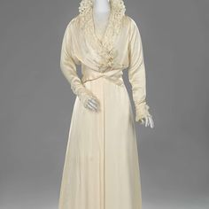 Wedding dress Hirsch, 1915; Rijksmuseum BK-2009-275