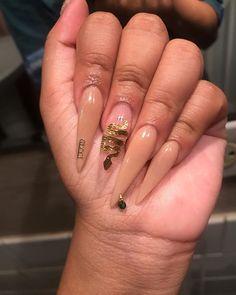 prom dress makeup nail design ten nail & makeup studio klang nail art nailart hansen chrome nail makeup pure chrome inc nail makeup makeup tutorial nail makeup hansen chrome nail makeup Claw Nails, Aycrlic Nails, Hair And Nails, Gorgeous Nails, Pretty Nails, Exotic Nails, Fire Nails, Best Acrylic Nails, Dream Nails