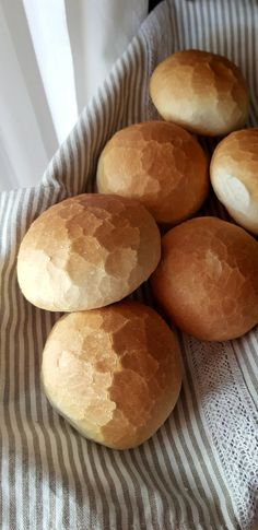 Bread Dough Recipe, Hungarian Recipes, Best Food Ever, Bread And Pastries, Brunch, Ciabatta, Diy Food, Cocktail Recipes, Food And Drink