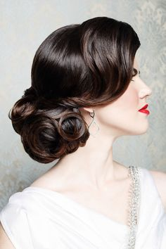 Vintage Hairstyles For Prom Dark hair, curls, wedding hair, low side chignon. By Vivian Makeup Artist. Wedding Hairstyles For Long Hair, Wedding Hair And Makeup, Bride Hairstyles, Hair Wedding, Gorgeous Hairstyles, Retro Hairstyles, Hairstyles Haircuts, Vintage Wedding Makeup, Vintage Wedding Hairstyles