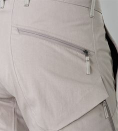 Cargo LT Pant Men's A summer version of our technical cargo pant; made from a dense but breathable textile that remains cool to the wearer.