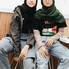 Hijab fashion Outfit off the day swagger and Hype for teenager inspiration - Damen Mode 2019 Fashion 90s, New Fashion Clothes, Muslim Fashion, Retro Fashion, Trendy Fashion, Girl Fashion, Fashion Outfits, Teenager Fashion, Fashion Skirts