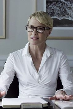 CLAIRE UNDERWOOD, HOUSE OF CARDS A close-fitting dress can look sophisticated, so long as it still gives you breathing room. Description from pinterest.com. I searched for this on bing.com/images