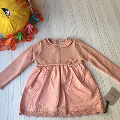 Крошки, в наличии невероятной красоты платье для настоящей маленькой леди 👸🏼 🍭Акриловая вязка 🍭Хлопковый низ 🍭Хлопковая нижняя подкладка Производство Турция 🇹🇷 Выглядит очень празднично💫✨ В наличии в двух оттенках🔥 Хорошая идея для подарка 💝🎁 Размеры: ✅ 6-9м (68-74) ✅ 9-12м (74-80) ✅ 12-18м (80-86) ✅ 18-24м (86-92) —————————————————— Цена 550 грн —————————————————— • • • #baby #littlebaby #babyua #роддомукраина #37weekspregnant #lovebaby #littleprincess #одеждадляноворожденных… Summer Dresses, Baby, Fashion, Moda, Summer Sundresses, Fashion Styles, Baby Humor, Fashion Illustrations, Infant