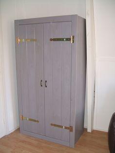 2 deurs kast Ameland - 189 euro - 92 cm breed - zelf beitsen