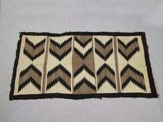 Handmade Navajo Rug : Lot 213