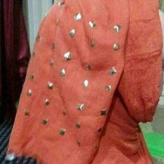 Temukan dan dapatkan Pasmina impor studed oranye bata hanya Rp 45.000 di Shopee sekarang juga! http://shopee.co.id/deeva_olshop/10824638 #ShopeeID