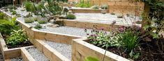 jardin en pente aménagement gravier déco