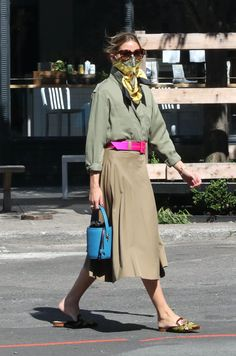 Olivia Palermo Outfit, Estilo Olivia Palermo, Look Olivia Palermo, Olivia Palermo Street Style, Olivia Palermo Lookbook, Ways To Wear A Scarf, How To Wear Scarves, 70s Fashion, Look Fashion