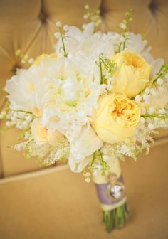 Dreamy yellow, ivory and cognac wedding bouquet