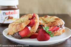 Grilled Nutella & Cheese Croissant! This sandwich is giving me life!! Try it today!!