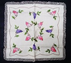 Very Pretty Vintage Hand Embroidered Centerpiece от VerasLinens