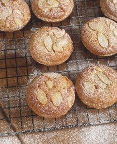 Frangipane Mince Pies Christmas Food Gifts, Xmas Food, Christmas Cooking, Christmas Mince Pies, Christmas Recipes, Christmas Turkey, Christmas Cakes, Christmas Parties, Christmas Goodies