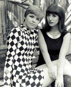 mod girls (black dress look)
